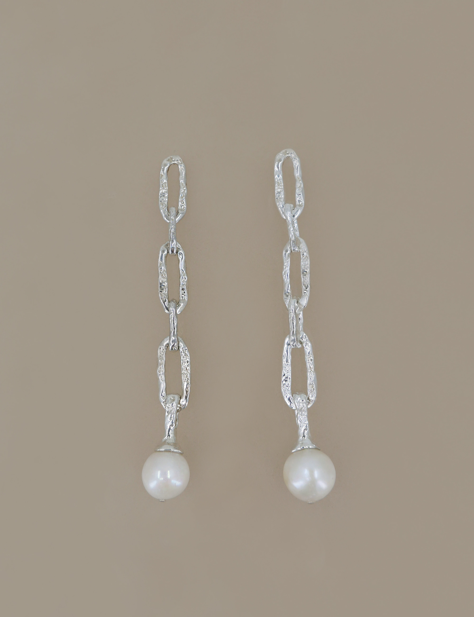 Ancient Chain Pearl Earring (long)