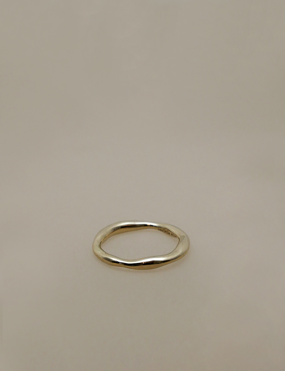 Thin Wave Mass Ring