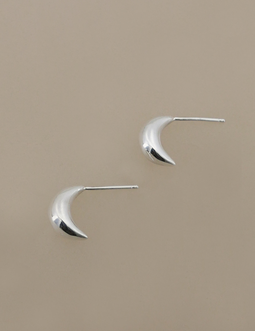 Mini Teardrop Earring