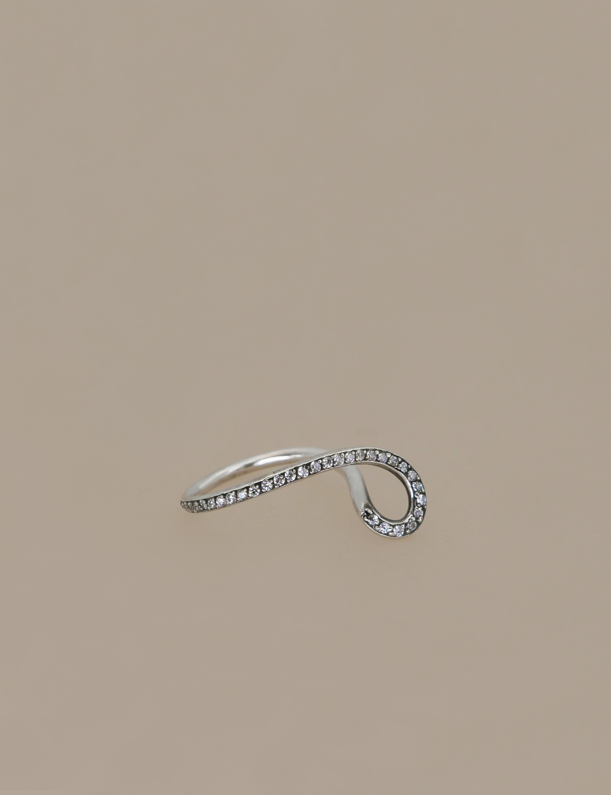 curve line ring