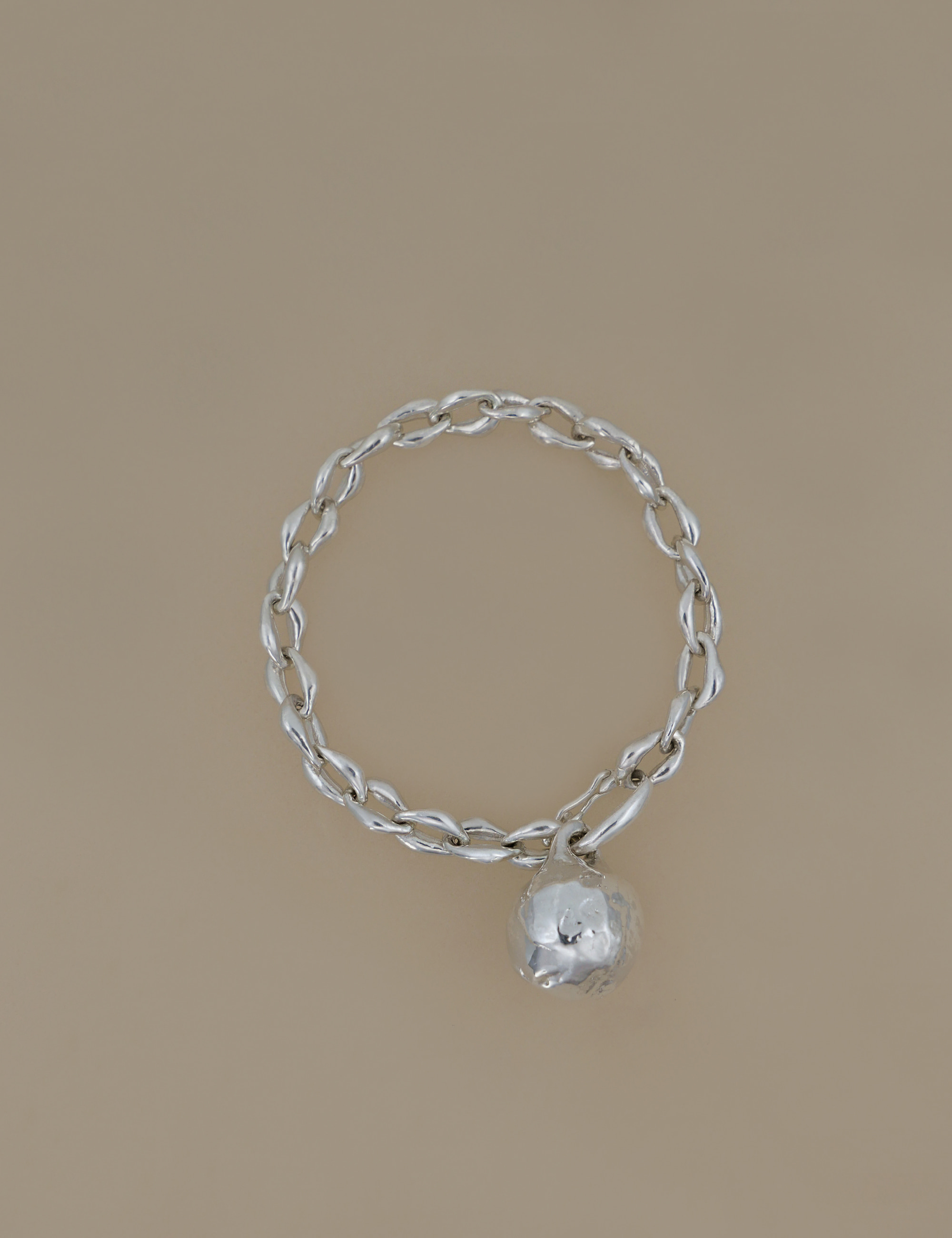 Large Ball Form Chain Bracelet