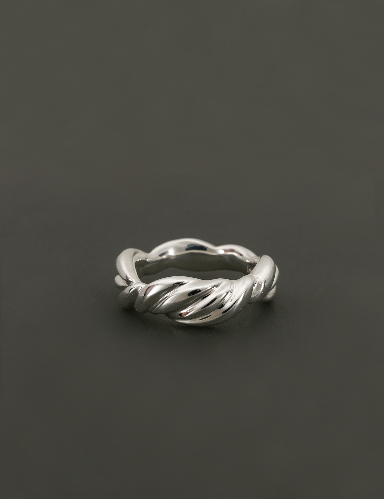 Twist Wave Ring