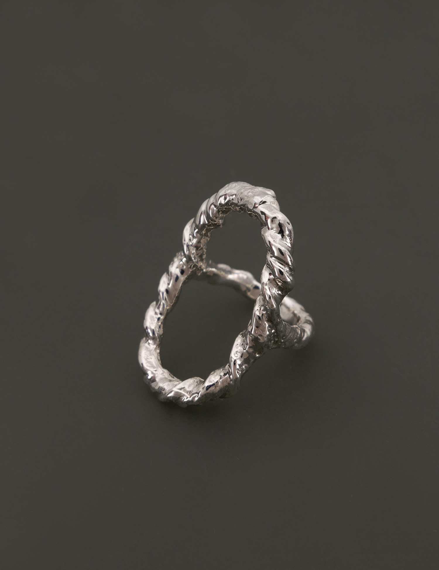 Textured Rope Oval Ring